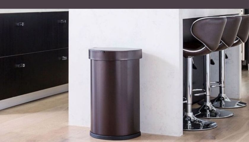 Best Way to Clean and Disinfect Your Kitchen Trash Can